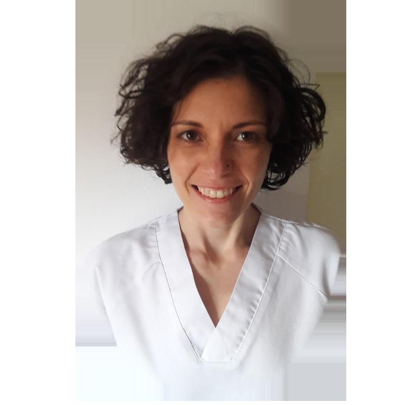 Laura Paniagua Paniagua Diplomada en fisioterapia en la universidad de Casilla la Mancha numero de colegiado 1669-clm